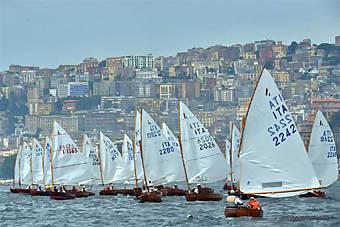 I-dinghy-classici-a-Napoli